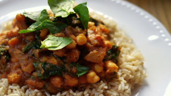 Vegan Recipe: Curried Potatoes and Chickpeas