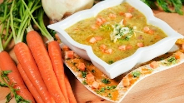 Vegan Recipe: Creamy Curried Carrot Soup
