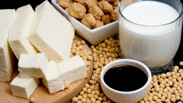 Soy Products Improve Survival in Women with Lung Cancer