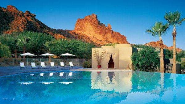 Sanctuary on Camelback Mountain pool