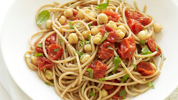 Vegan Recipe: Spaghetti with Roasted Tomatoes, Chickpeas, and Basil