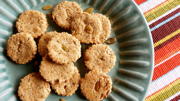 Vegan Recipe: Pumpkin Seed Oat Biscuits