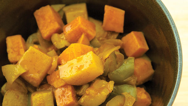 Vegan Recipe: Fruit and Vegetable Curry