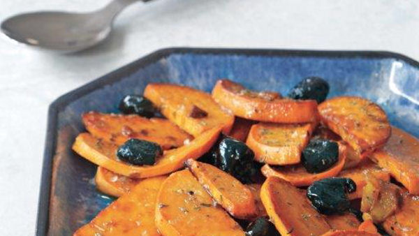Thyme-Scented Sweet Potatoes with Black Olives and Garlic
