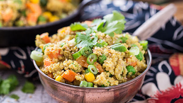 Vegan Recipe: Quick Quinoa Curry Bowl