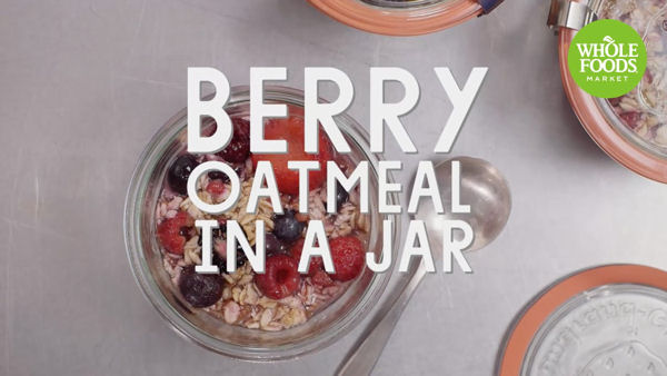 Vegan Breakfast Recipe: Berry Oatmeal in a Jar