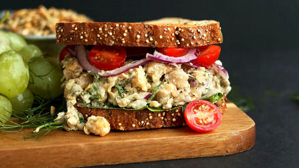 "Vegan Lunch Recipe: ""No-Tuna"" Salad Sandwich"