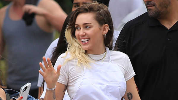 Miley Cyrus Hosts Vegan BBQ