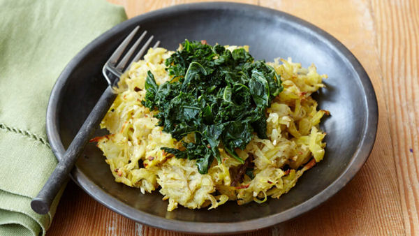 Vegan Recipe: Garlic Hash Browns with Kale
