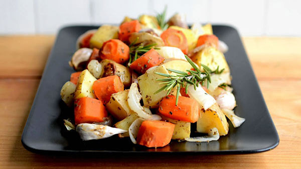 Vegan Recipe: Roasted Potatoes and Carrots